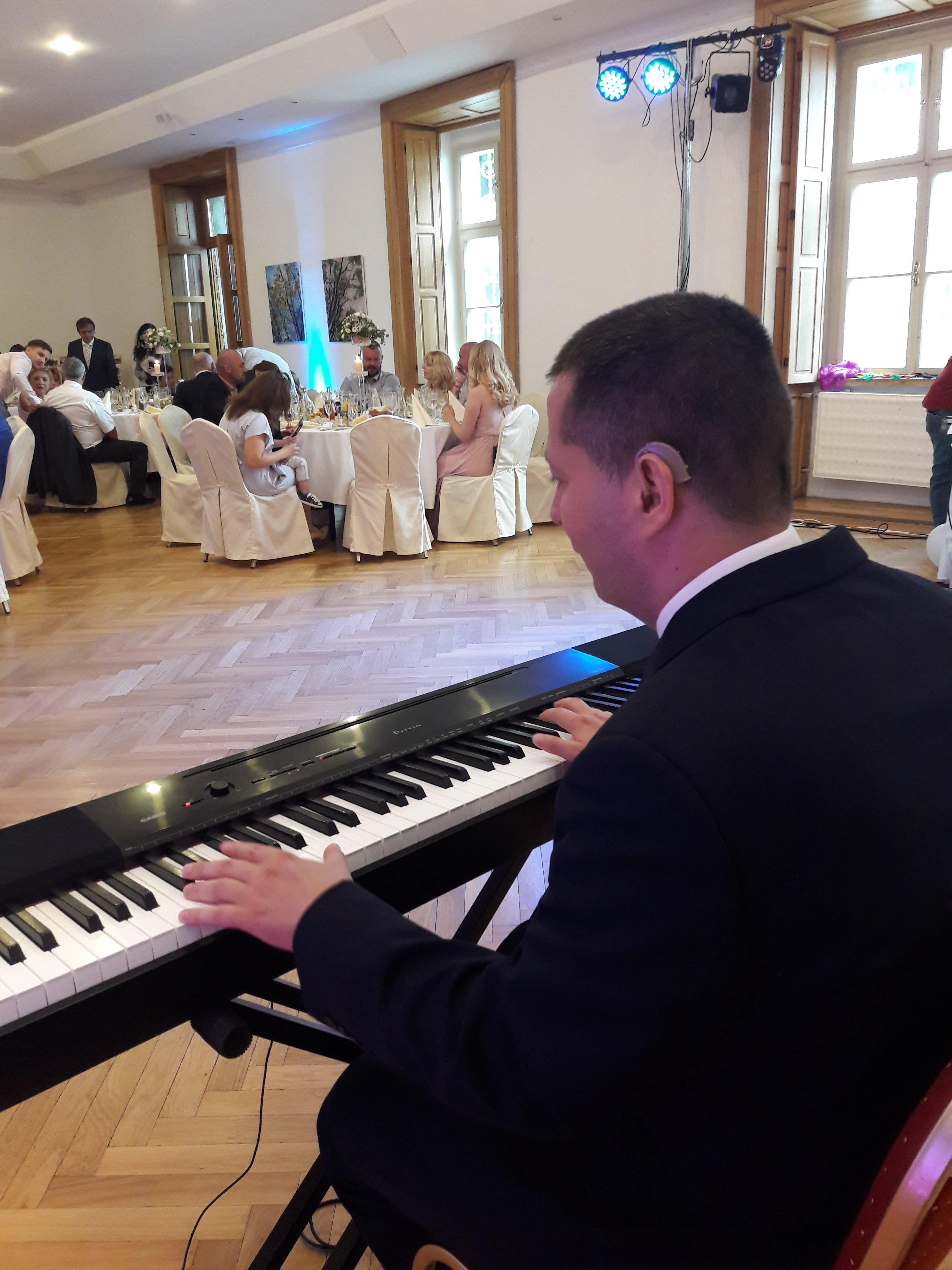 Svadobná hostina v Kaštieli Mojmírovce