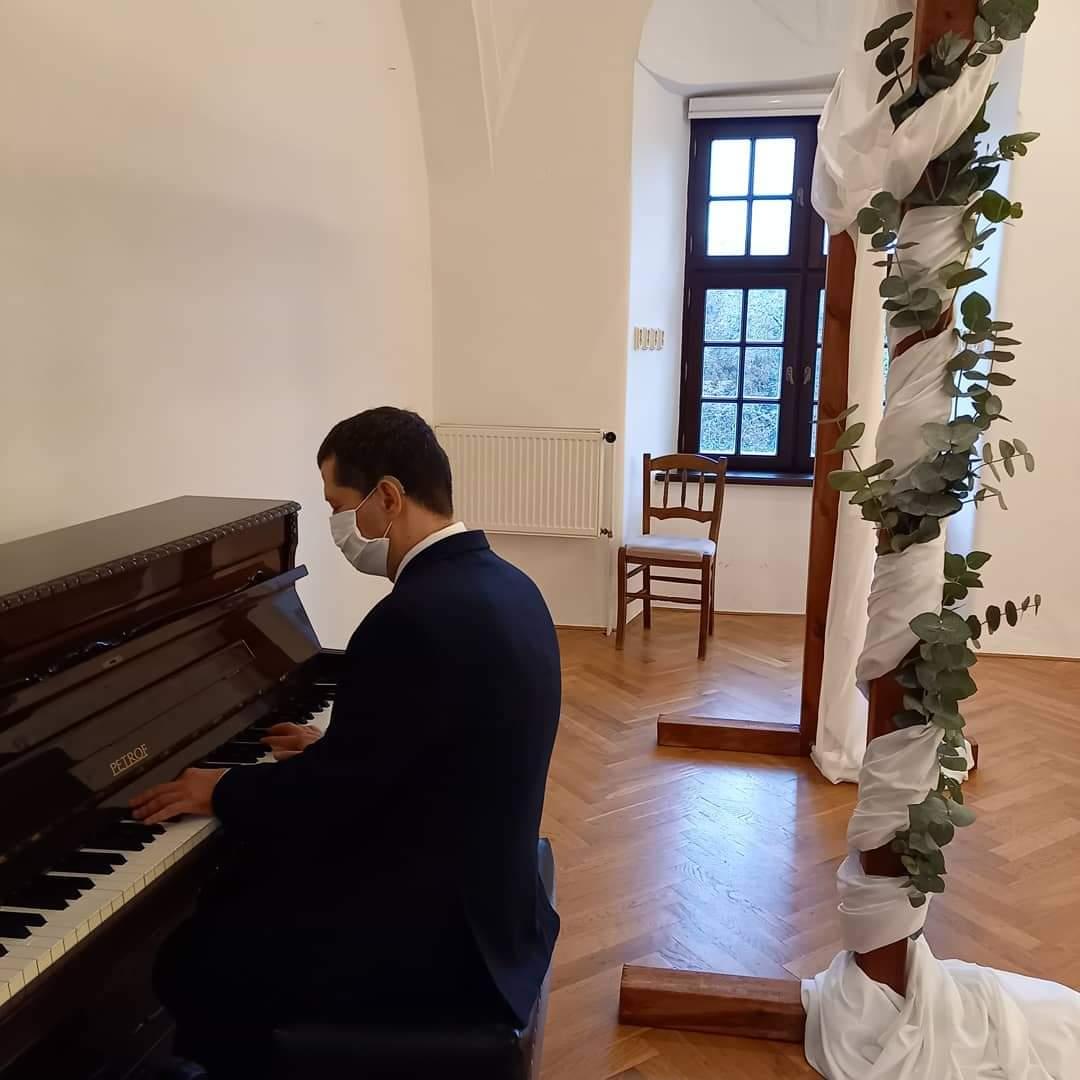 Svadba v klavírnej sieni v Trnave