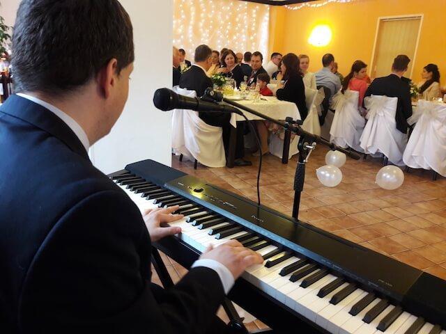Klavírna hudba na svadbu