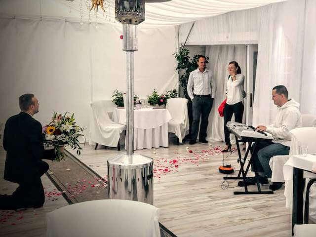 Klavirista na svadobný obrad