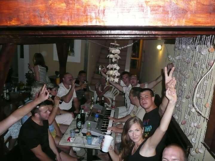 Klavirista na študentských večierkoch